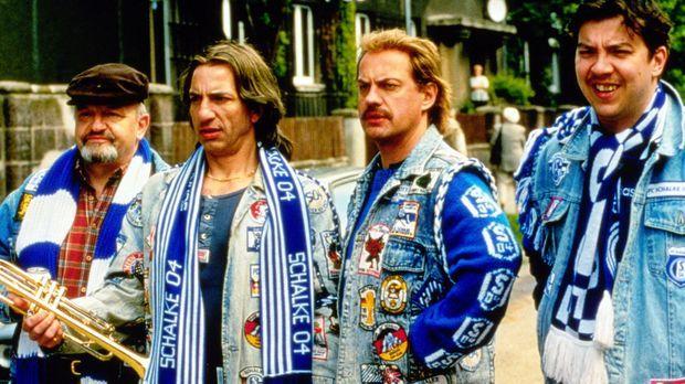 Theo (Walter Gontermann, l.), Mike (Ralf Richter, 2.v.l.), Hans (Uwe Ochsenkn...
