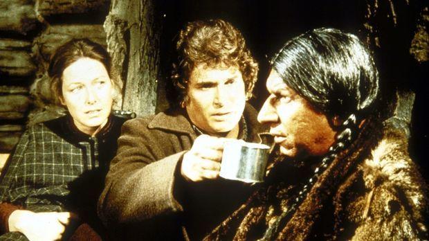 Charles (Michael Landon, M.) und Caroline (Karen Grassle, l.) bieten Jack Lam...