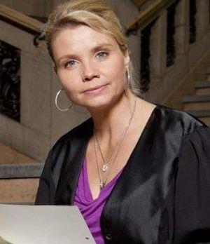 Eine ungewöhnliche Rechtsanwältin: Danni Lowinski (Annette Frier) ...