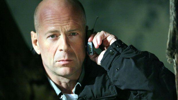Nach einem fehlgeschlagenen Einsatz lässt sich der Polizist Jeff Talley (Bruc...