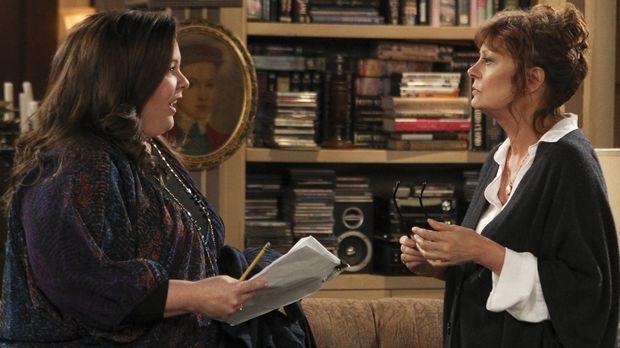 Während Mike seine Mutter zum Abendessen einlädt, trifft Molly (Melissa McCar...