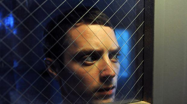 In der psychiatrischen Anstalt bekommt Ryan (Elijah Wood) oft Besuch von sein...