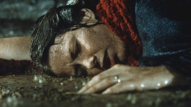 Bei einem Unwetter gerät Caroline Ingalls (Karen Grassle) in eine lebensbedro...