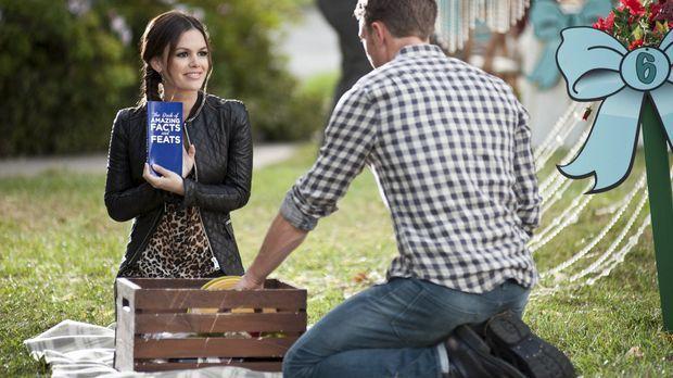 Gegen ihre eigentlichen Vorsätze bietet Zoe (Rachel Bilson, l.) für Wades (Wi...