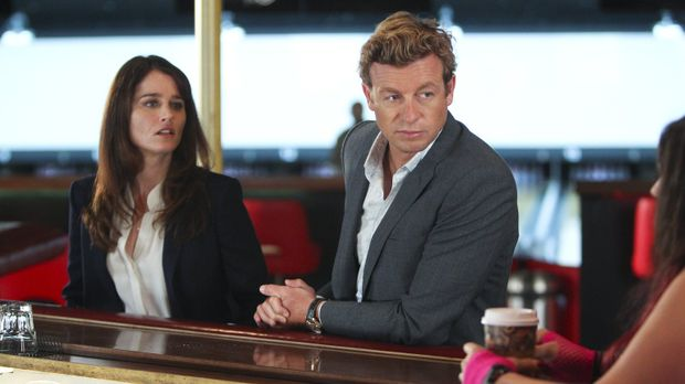 Der FBI-Undercover-Agent Jeremy Geist wird erschossen. Jane (Simon Baker, r.)...