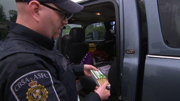 Die Beamten an der kanadischen Grenze haben alle Hände voll zu tun: Einige de...