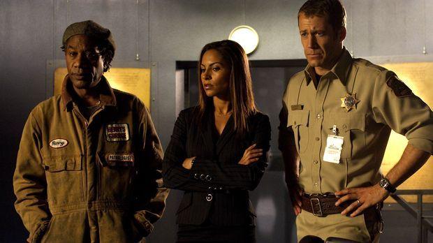 Stehen vor einem Rätsel: Jack Carter (Colin Ferguson, r.), Allison Blake (Sal...