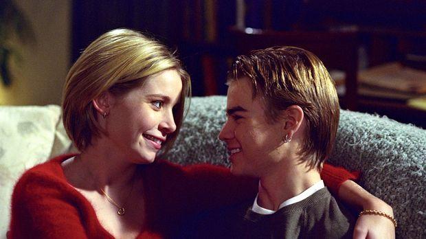 Haben ein ganz besonderes Date: Simon (David Gallagher, r.) und Maria (Alana...