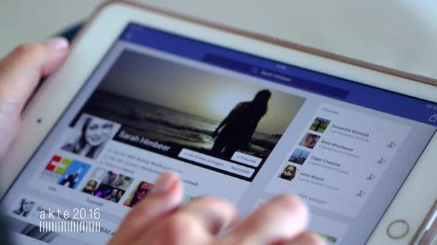 facebook sat 1
