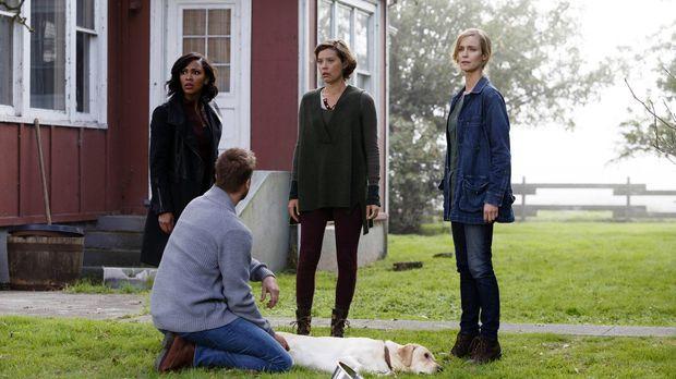 Eine Vision bringt Agatha (Laura Regan, r.) zu Gabby Stanton (Audrey Marie An...