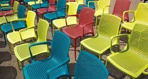 Günstige Gartenmöbel sind oft aus Plastik – laut Test nicht die schlechteste...