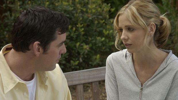 Buffy (Sarah Michelle Gellar, r.) und Xander (Nicholas Brendon, l.) wollen Wi...