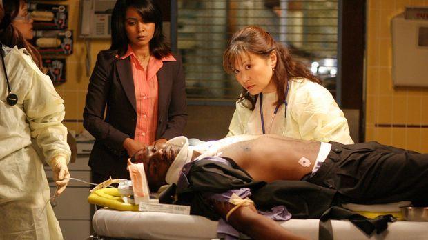 Es geht um Leben und Tod: Dr. Gregory Pratt (Mekhi Phifer, liegend), Dr. Neel...