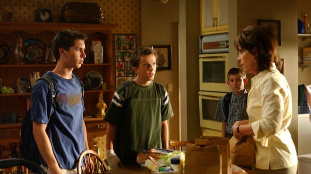 Lois (Jane Kaczmarek, r.), Reese (Justin Berfield, l.) und Malcolm (Frankie M...