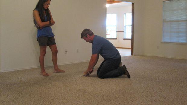 In diesem Haus wartet eine Menge Arbeit auf Joanna (l.) und Chip (r.) ... © 2...