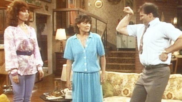Als Marcy (Amanda Bearse, M.) schlüpfrige Träume mit Al (Ed O'Neill, r.) in d...