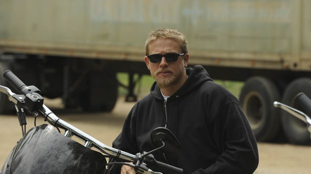 Clay tut alles, um zu verhindern, dass Jax (Charlie Hunnam) von den Briefen s...