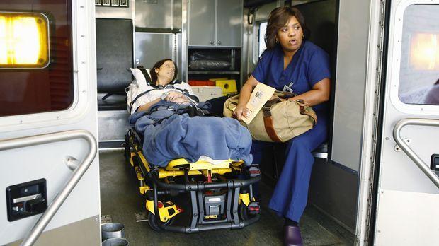 Miranda Bailey (Chandra Wilson, r.) kommt aus Seattle, um Sarah (Alexie Gilmo...