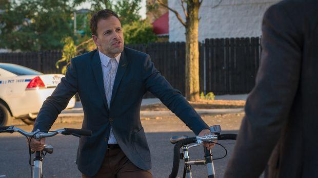 Elementary - Als Sherlock (Jonny Lee Miller) herausfindet, dass Alfredo mit s...