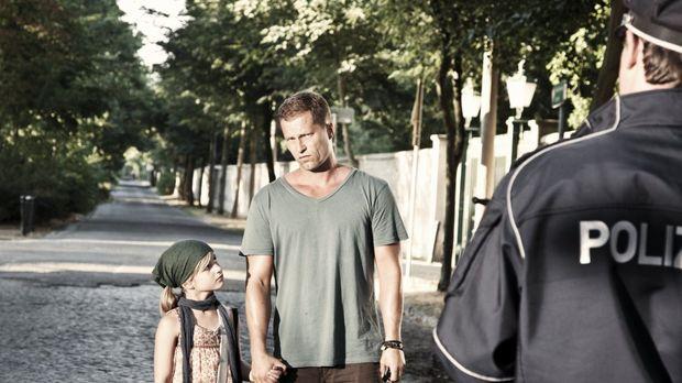 Kokowääh - Von einem Tag auf den Anderen wird Henry (Til Schweiger, M.) Vater...