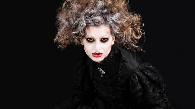 Generell gilt: Halloween-Frisuren dürfen ruhig voluminös sein und ein bissche...