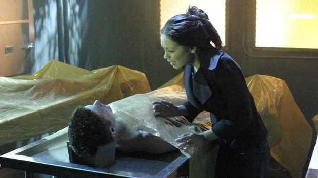 Als Lanas (Kristin Kreuk, r.) Freund Jason (Jensen Ackles, l.) plötzlich in t...