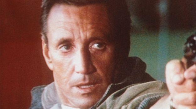 Das fliegende Auge - Frank Murphy (Roy Scheider) entführt den Helikopter und...