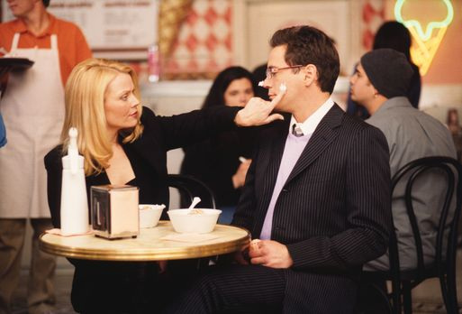 Ally McBeal - Bandeln Larry (Robert Downey Jr., r.)  und seine Ex-Freundin He...