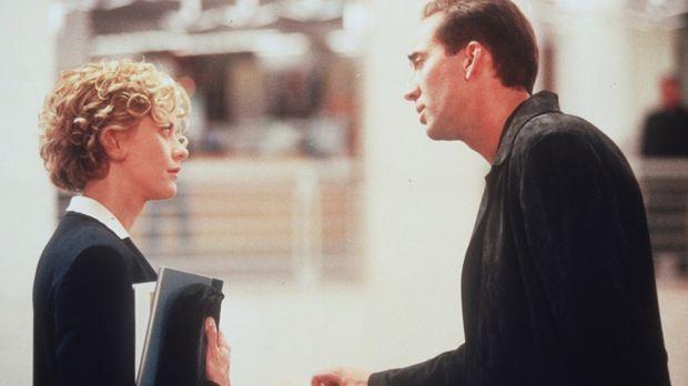 Immer häufiger offenbart sich Seth (Nicolas Cage, r.) der liebenswerten Maggi...