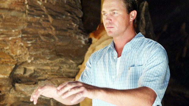 Leo (Brian Krause) versucht den Hexen zu helfen ... © Paramount Pictures.