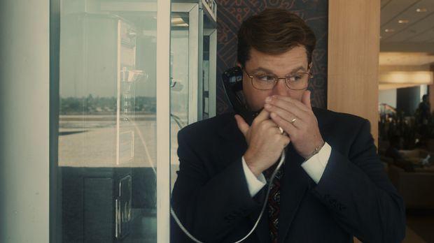 Das FBI rüstet Mark Whitacre (Matt Damon) mit versteckten Mikrofonen und Send...
