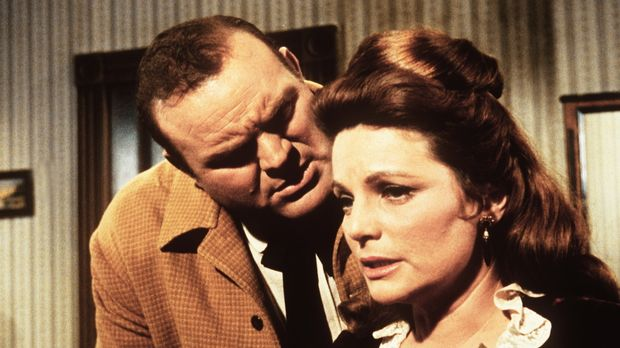 Hoss (Dan Blocker, l.) will Carol (Geraldine Brooks, r.) heiraten, obwohl sie...