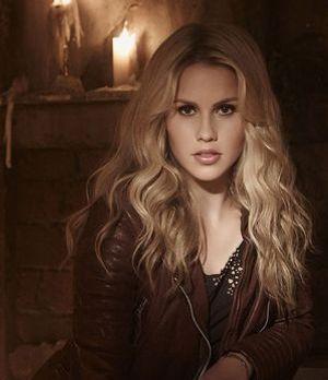 Claire Holt ist Rebekah