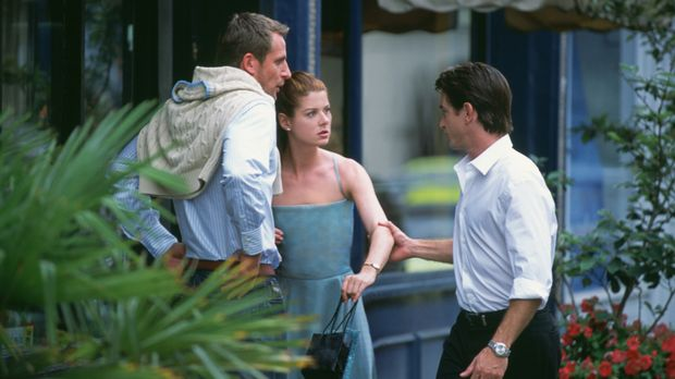 Mit dem attraktiven Nick (Dermot Mulroney, r.) möchte Kat (Debra Messing, M.)...