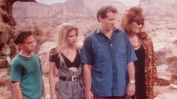 Auf ihrer Reise nach Los Angeles sind (v.l.n.r.) Bud (David Faustino), Kelly...