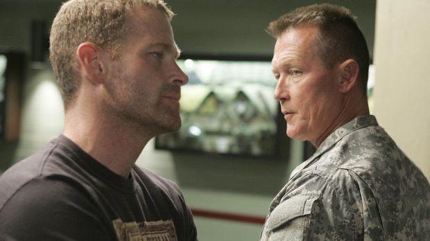 Nach alldem was vorgefallen ist, bietet Tom (Robert Patrick, r.) Mack (Max Ma...