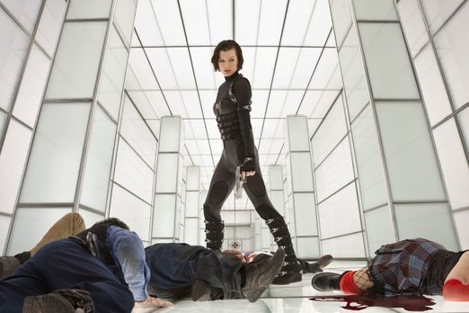 Im andauernden Krieg gegen das ultimativ Böse: Alice (Milla Jovovich) ... - B...
