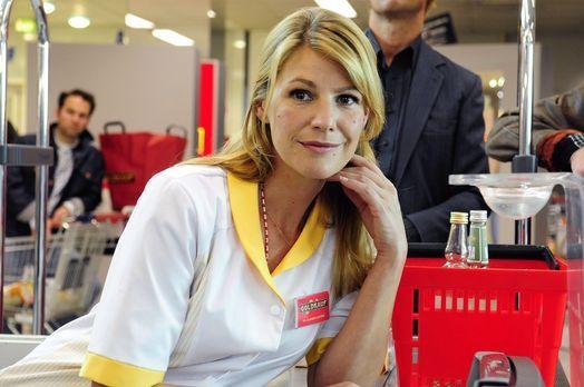Claudia - Das Mädchen von Kasse 1 - Claudia (Sophie Schütt) begegnet an der K...