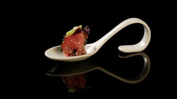 The-Taste-Stf01-Epi05-2-Kalbsfilet-Christa-Schilbock-02-SAT1