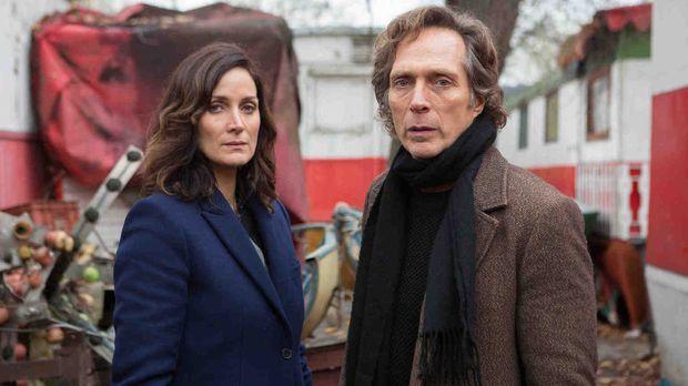 Hickman (William Fichtner, r.) und seine Ex-Partnerin Amanda Andrews (Carrie-...