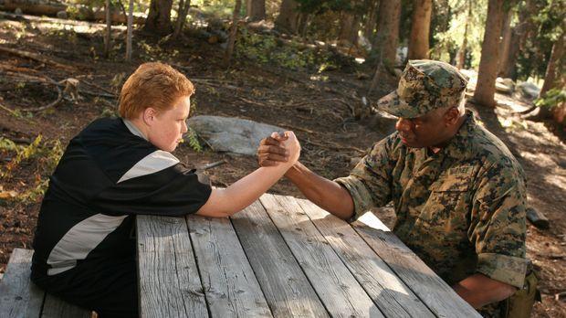 Nur ein ganz besonders mutiger Mann ist dieser Aufgabe gewachsen: Oberst Buck...