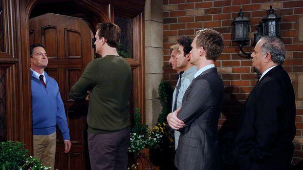 Ein Besuch von Marshall (Jason Segel, 2.v.l.), Billy Zabka (William Zabka, 3....