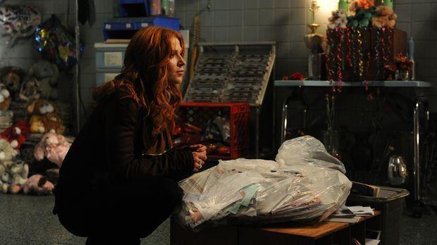 Auf der Suche nach dem Mörder eines bekannten Geisterjägers: Carrie (Poppy Mo...