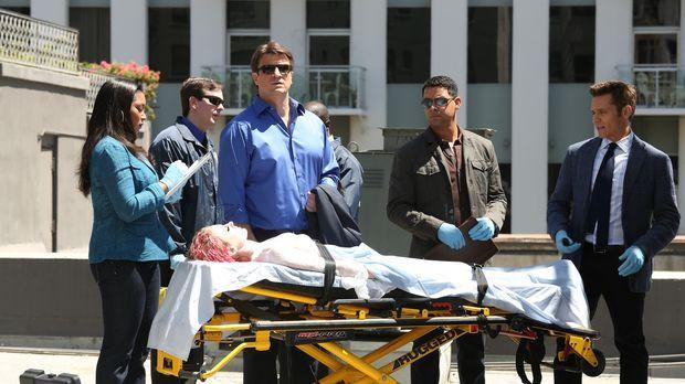 In einem Wassertank wird die Leiche einer jungen Frau gefunden. Lanie Parish...