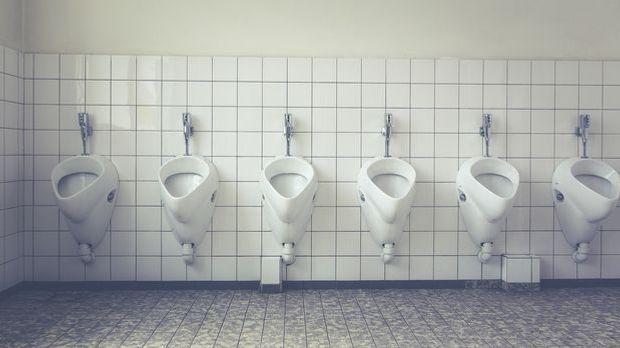 Keine Toilette in Sicht? Kein Problem – platzen wird die Blase nicht.