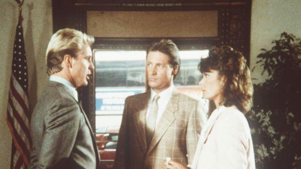 Lee (Bruce Boxleitner, M.) und Amanda (Kate Jackson, r.) sind sich ziemlich s...
