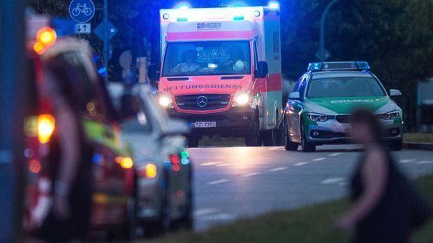 Krankenwagen_Polizei