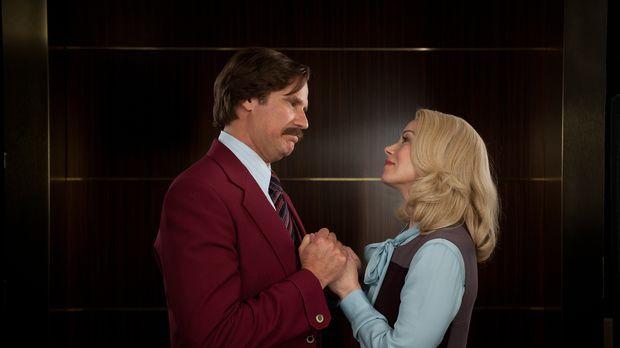 Ausgerechnet seine Frau Veronica (Christina Applegate, r.) verrät Ron (Will F...