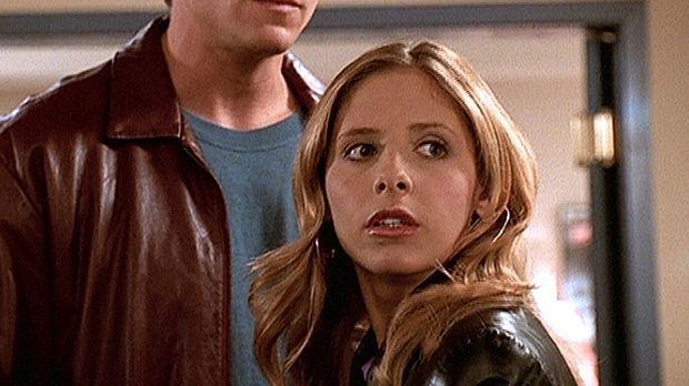 Buffy (Sarah Michelle Gellar, r.) macht eine schwere Zeit durch. Obwohl Riley...