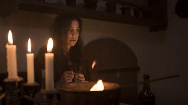 Nadia (Manuela Bosco) kehrt zu ihrem ehemaligen Verlobten zurück, doch Kati o...